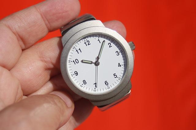 clock-95330 640 1